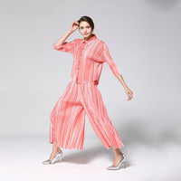 LANMREM 2020 New Fashion Pattern Pleated Retro Leisure Style Seven Point Sleeve Round Neck Shirt Striped Loose Pants Suit AD055