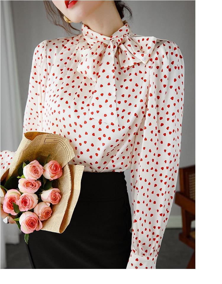 Impressão branca coração vermelho fita amoreira blusa