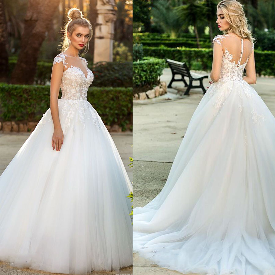 Charming O-neck Neckline Cap Sleeves Lace Applique A-line Wedding Dress With 3D Flower Illusion Tulle Button Back Bridal Dress