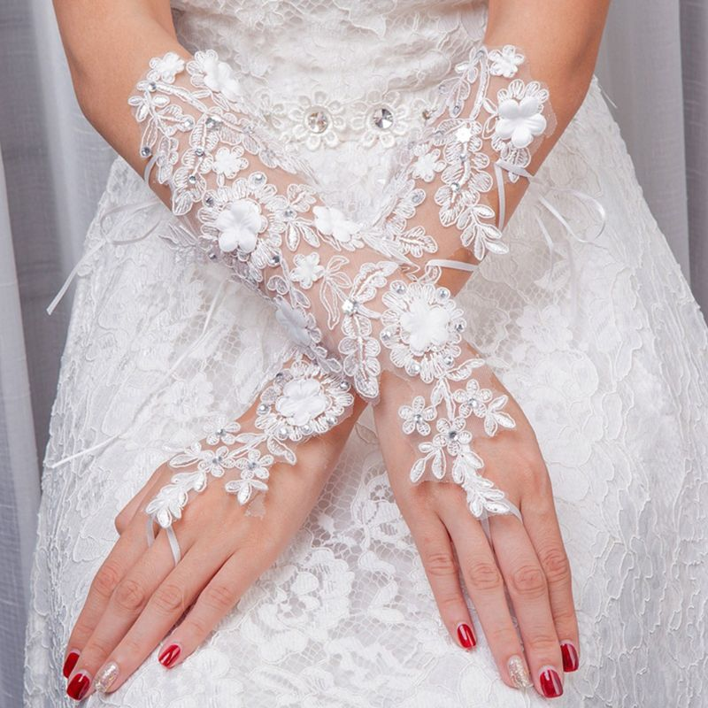 2020 New Bride Embroidery Lace Wedding Gloves Glitter Rhinestone Thin Sunscreen Mittens