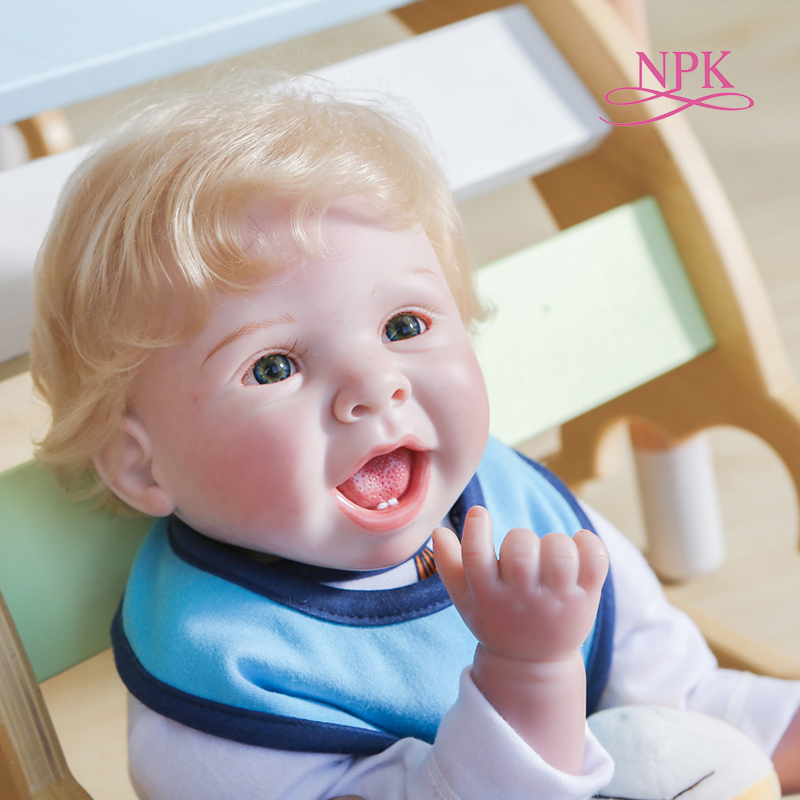 NPK Original Design 55CM Junge Puppe Reborn Weichen Tuch Körper Kuschel Neugeborenen Baby Lebensechte Lächelndes Nettes Gesicht Echt Puppe spezielle geschenk