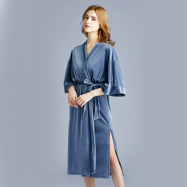 2020 New Arrival Autumn Golden Velvet Womens Pajamas New  Spring Medium Length Sleepwear Bathrobes Sexy Robe Nightdress