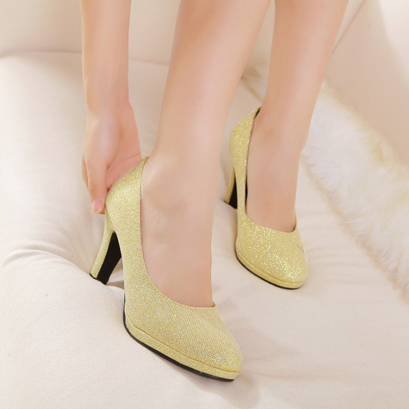 0561 New Style Bride Wedding Shoes Shallow Mouth Round Shoes Bright Red Bride Shoes Thin Heeled High-heeled Shoes