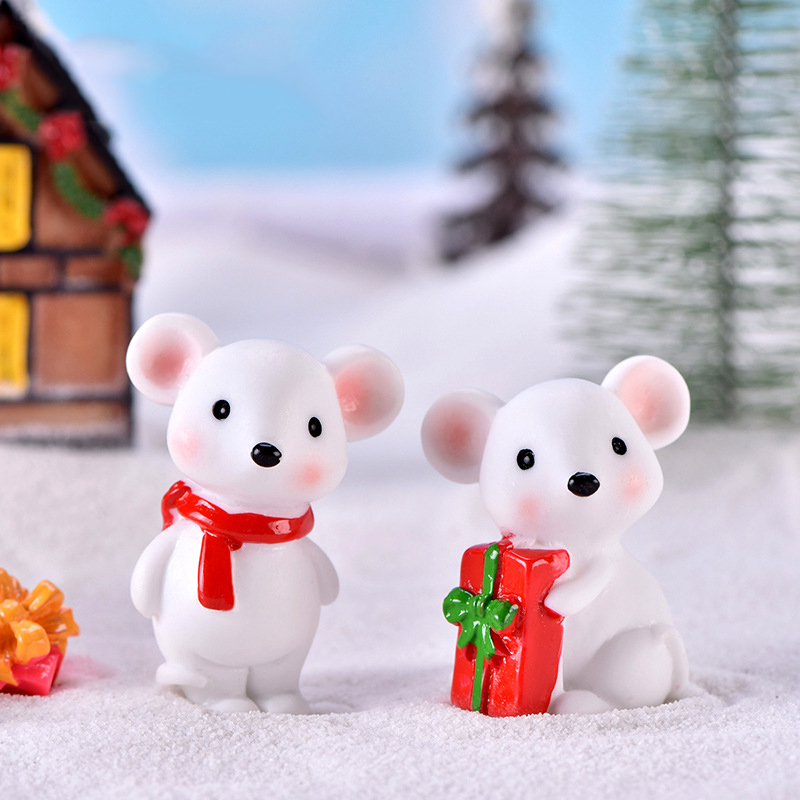 ZOCDOU 1 Piece Cute New Year Christmas Snow Rat Little Mouse Gift Small Statue Figurine Ornament Miniatures Children Toy Decoration Gift