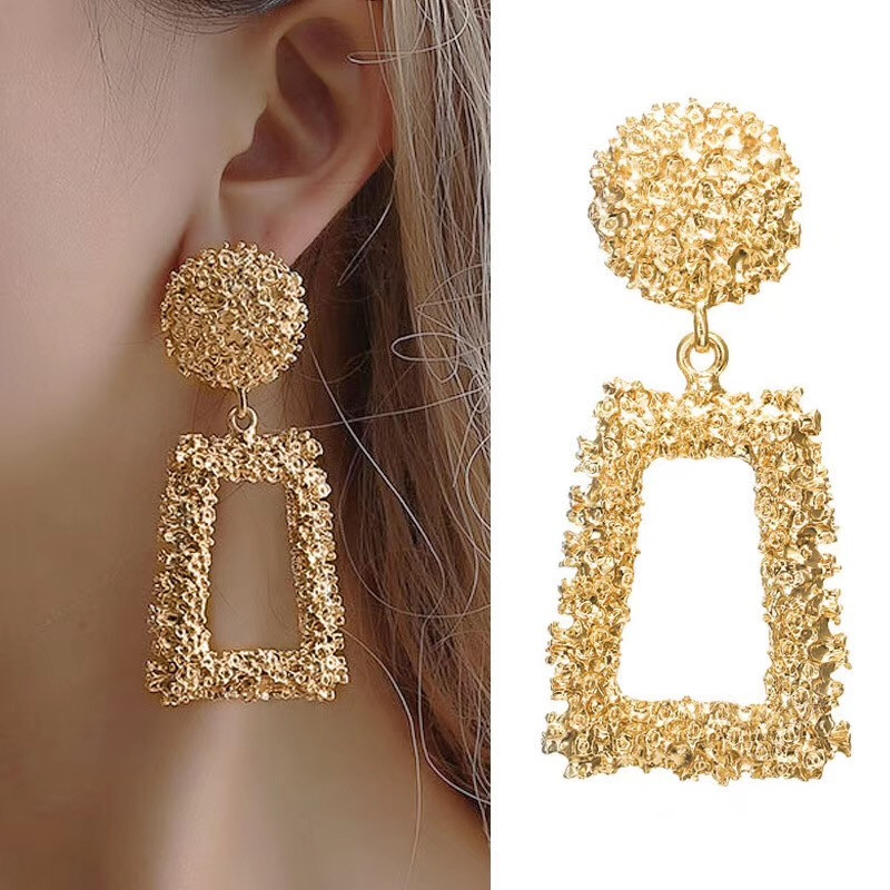 ZCHLGR New Elegant Big Vintage Metal Earrings for Women Gold Color Geometric Statement Drop Earring Hanging Trend Jewelry