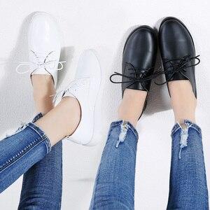 Image 5 - STQ zapatillas de deporte informales de Invierno para mujer, zapatos de cuña de cuero genuino con cordones, planos de Ballet, 9935
