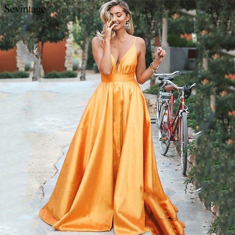 Sevintage Gold Simple Long Prom Dresses Spaghetti Straps A Line Backless Satin Evening Gowns Sweep Train Robe De Soiree 2020