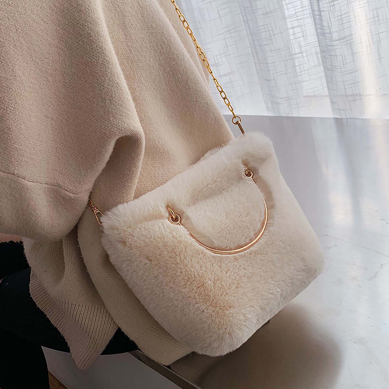 Fashion Soft Plush Chains Women Shoulder Bags Designer Metal Handbags Luxury Faux Fur Crossbody Large Capacity Totes Lady Purses