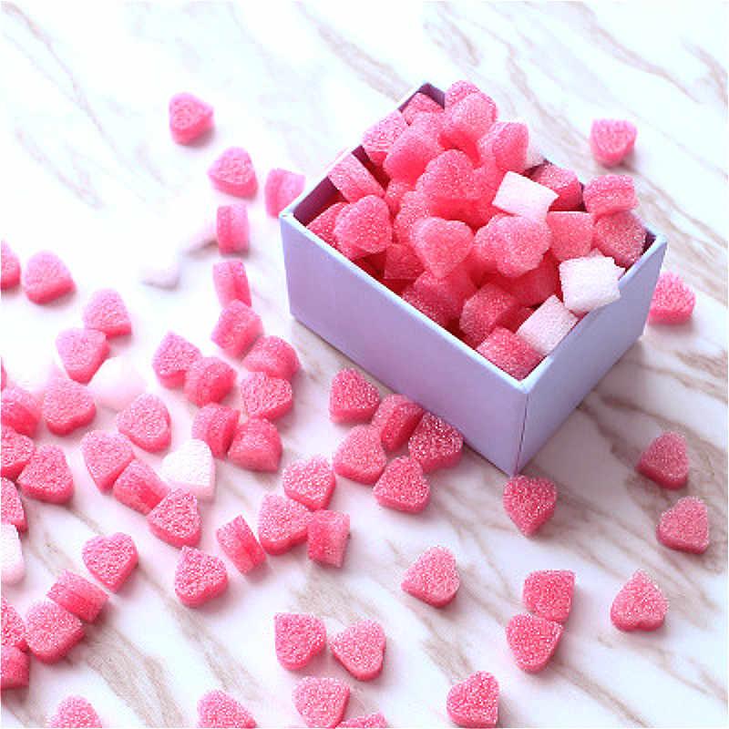 100 stücke Rosa Mini Herz Liebe Perlen Schaum Streifen Schleim Geschenk Box Flauschigen Schleim Füllstoff Schlamm Ton Verpackung Hochzeit Blume box Füllstoff