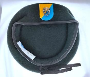 Nowa armia amerykańska 8 Siły specjalne grupa wełna zielony Beret siły specjalne SF kapelusz czapka PIN MOTTO INSIGNIA czapka wojskowa czapka 1963 ~ 1972 tanie i dobre opinie CINESSD Z wełny CN (pochodzenie) Dla dorosłych Stałe Formalne