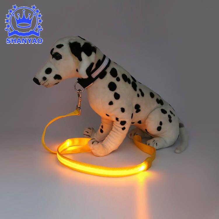 Dongguan LED Shining Hand Holding Rope Logo Dog Fiber Traction Belt Pet Flash Sling
