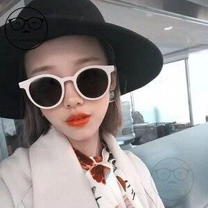 Image 5 - 2020 Fashion V Logo Gentle Sunglasses Women Small Frame Retro Designer Sun Glasses Lady Cute Vintage Sunglasses Original Package