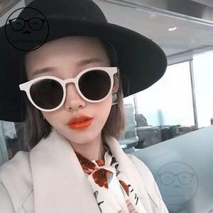 Image 5 - 2020 אופנה V לוגו עדין משקפי שמש נשים קטן מסגרת רטרו מעצב משקפיים שמש ליידי חמוד בציר משקפי שמש מקורי חבילה
