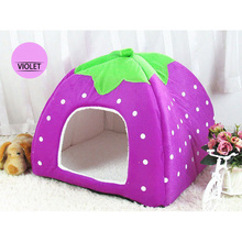 Breathable Comfortable Pet Tent Portable Foldable Strawberry Shape Hand Wash Plush Houses Kennel For Dogs Cage Supplier