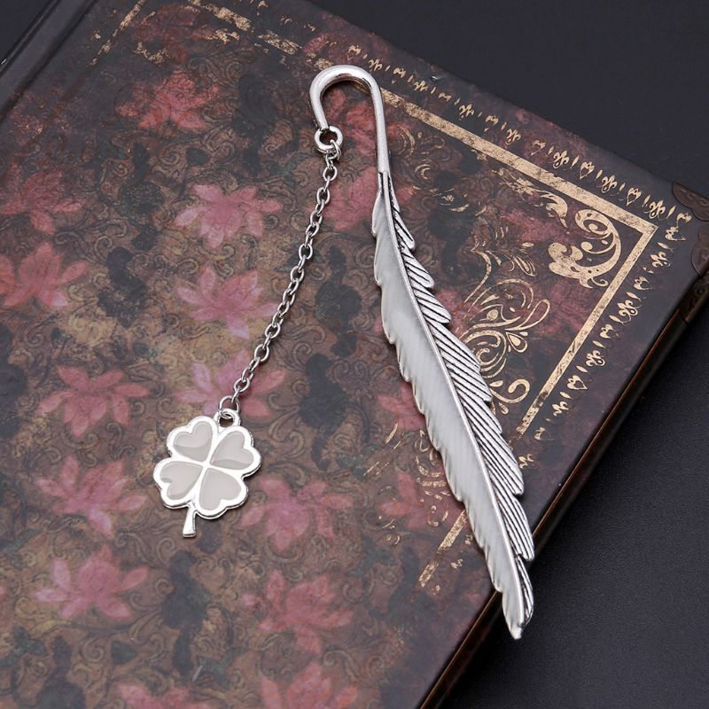 Glow In The Dark Luminous Book Marker Creative Feather Clover Bookmark Label School Office Stationery DXAC