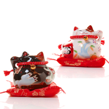 Lucky Cat Ceramics Black/White Lucky Cats for Family Hotel Restaurant Decoration Lucky Craft Gifts
