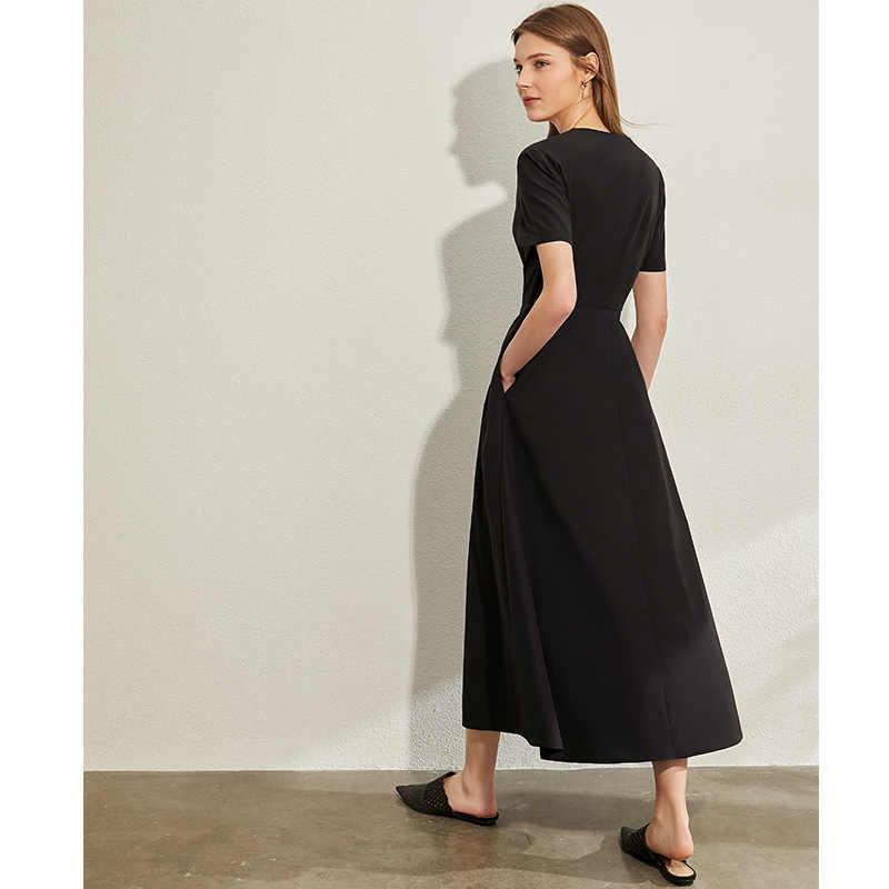 AMII 미니멀리즘 v-넥 드레스 우아한 여성 솔리드 싱글 짧은 소매 여성 롱 드레스 12040129