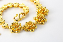 Gold-plated flowers vintage wedding high-end atmospheric bracelet fashion ladies dance party birthday gift