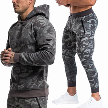 ספורט חליפות גברים סט מותג כושר חליפות סתיו גברים סט ארוך שרוול הסוואה נים + מכנסיים חדרי כושר ריצה ספורט חליפה