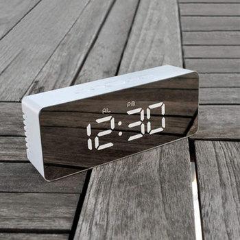Wielofunkcyjny lustro LED cyfrowy zegar obraz Smartphone ładowanie biurko budzik stolik nocny zegar tabela z kalendarzem Decor tanie i dobre opinie
