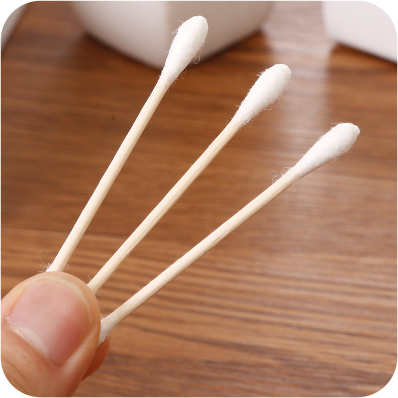 Купить с кэшбэком 100pcs/ Pack Double Head Cotton Swab Baby Women Makeup Cotton Buds Tip For Medical Wood Sticks Nose Ears Cleaning Health Care