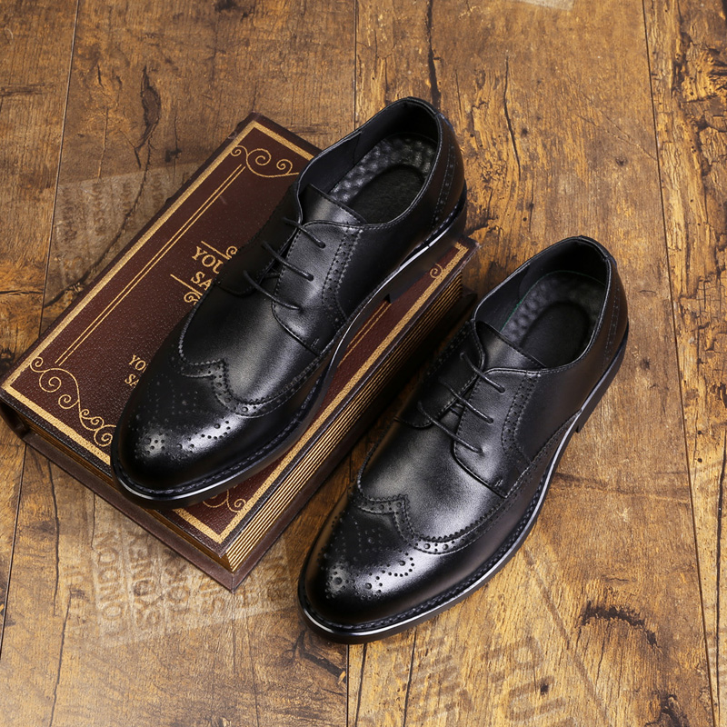 2020 Men Leather Shoes Casual Genuine Leather High Quality Luxury Fashion Designer Men Brogue Shoes