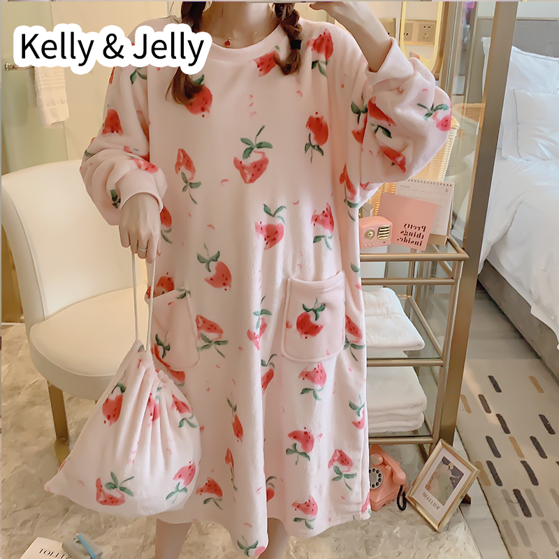 2019 collection of cute girl nightdress features a two-color strawberry print coral velvet dress with a free storage bag