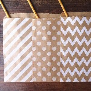 Image 3 - 50 개/몫 취급 캔디 가방 고품질 파티 호의 종이 가방 셰브론 폴카 도트 스트라이프 인쇄 된 종이 공예 가방 베이커리 가방