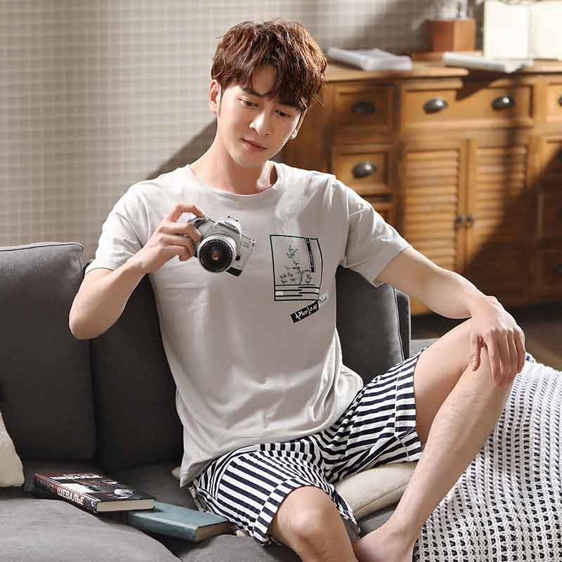 Men's Pajamas Set Summer Loose Leisure Elastic Waist Men Sleepwear Cotton Man's Short Sleeve Grey T-shirt+striped Shorts Outwear
