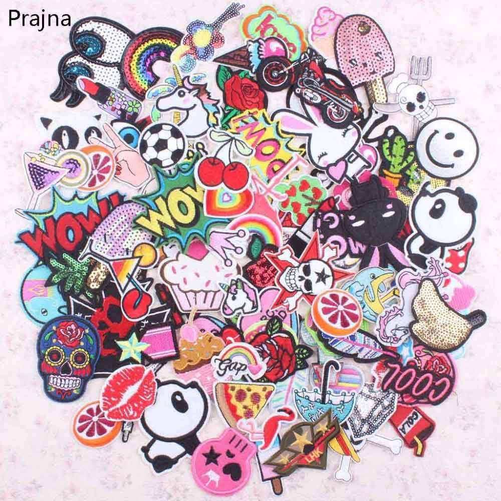 30Pcs Misto Casuale Anime Set di Patch Ferro Sew On Toppe E Stemmi Del Fumetto Sveglio Ricamato Applique Toppe E Stemmi Per I Vestiti Adesivi di Patch