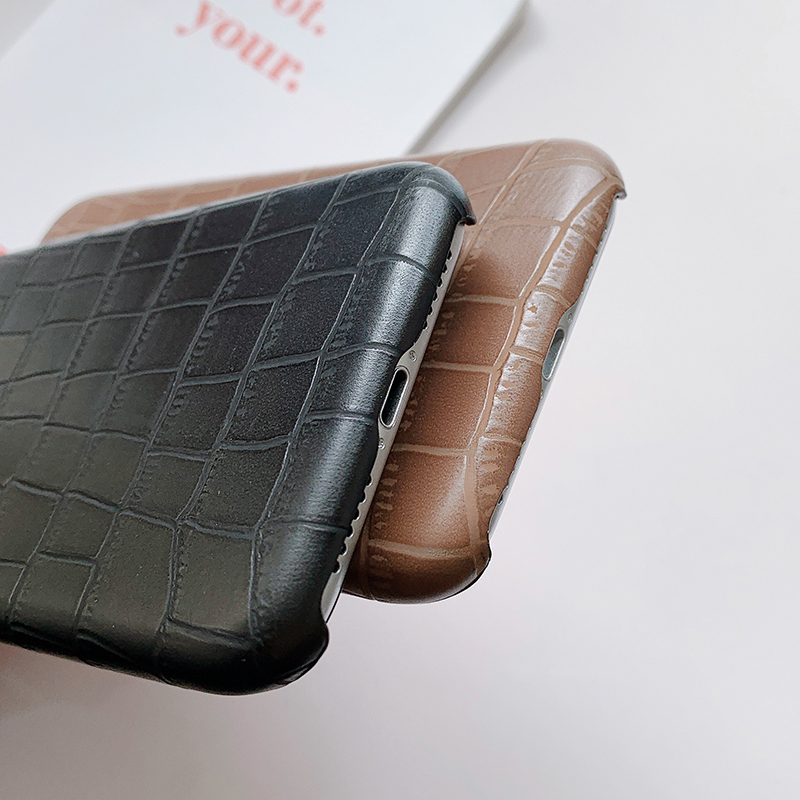 Crocodile Texture Skin Cover Phone Case Made Of Plastic Material For iPhone Models 4