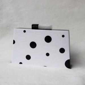 Image 3 - حقيبة سهرة نسائية موضة جديدة لعام 2020 ، حقائب يد بسلسلة من الأكريليك المنحرف باللون الأسود والأبيض ، حقائب حفلات الزفاف الفاخرة ، صندوق عتيق بقبضة