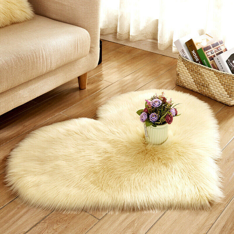 Fluffy Floor Mat Love Heart Shaped Anti-Skid Soft Fabric Shaggy Carpet Room Area Faux Fur Bedroom Hairy Rug Home Decor New