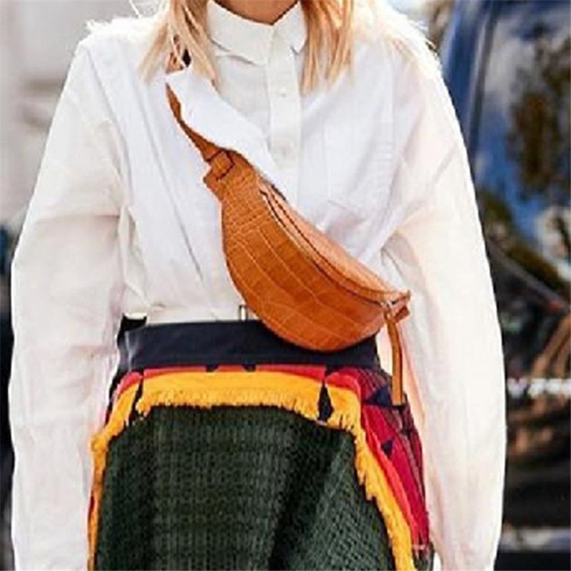 2019 New Famous Designer Fashion Pockets Retro Crocodile Pattern Saddle Bag High Quality Female Chest Bag Sac A Main