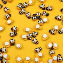 100pcs 미니 나무 꿀벌 DIY 수제 공예 냉장고 벽 스티커 홈 장식 웨딩 베이비 샤워 아이 꿀벌 생일 파티 장식