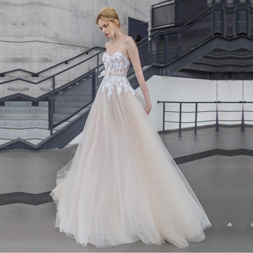 Champagne Sweetheart A Line Tulle Wedding Dresses Lace Appliques Backless Wedding Gowns Custom Made Sashes Vestido De Novia