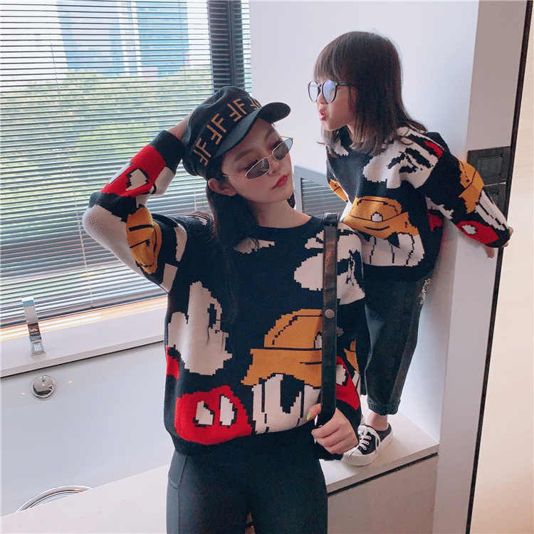 Family Look Cartoon Sweaters Mother Daughter Matching Sweater Mommy and Me Clothes Women Girls/Boys Mom Mum and Baby Sweatshirts