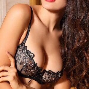 Image 2 - נשים סקסי חם ארוטי שקוף הלבשה תחתונה Ultrathin קצר חזיית סט תחרה רקמה נשי תחתונים ללא תפר חזייה