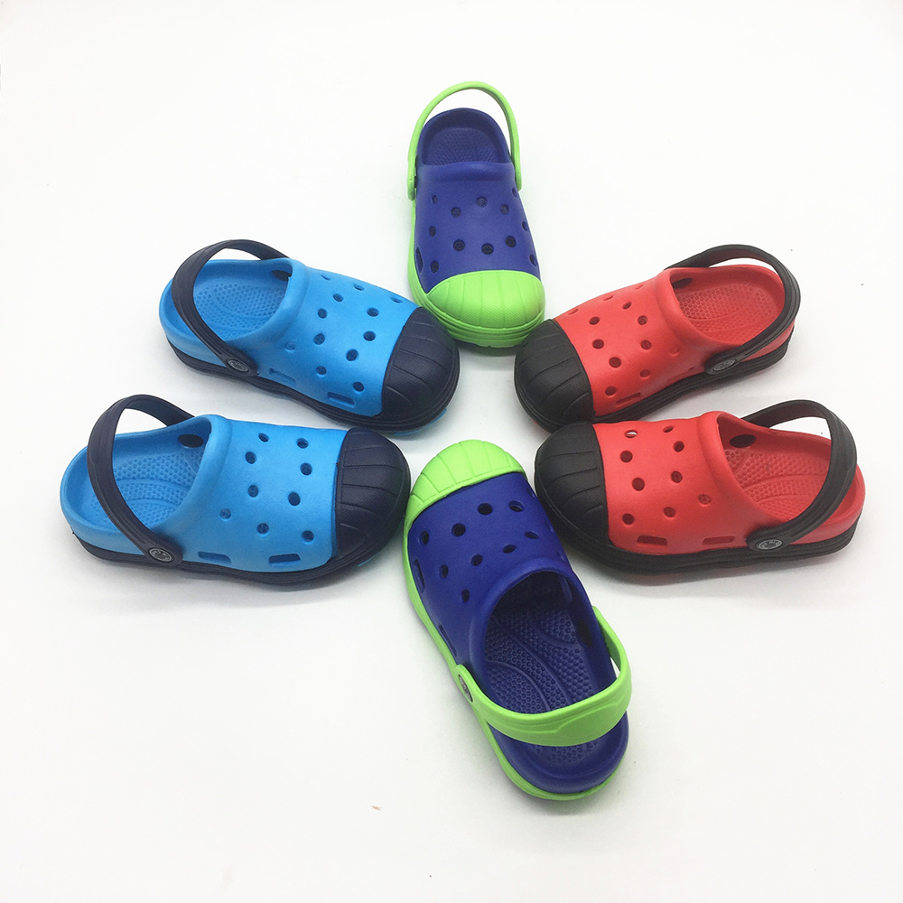 CHILDREN SUMMER SANDALS KIDS BEACH SHOES FOR BOYS LIGHT CLOGS FOR BABY KID MALE SIZE EURO 26-31 US 7-12 HOT SELLING