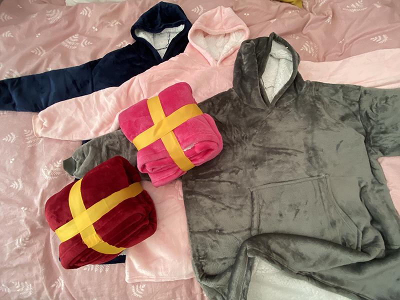 Winter Warm Comfy Hooded Pocket Blankets Adults Bathrobe Sofa TV Blanket Sweatshirt Solid Plush Coral Fleece Blankets Outwears 8