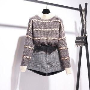 Image 2 - 秋冬プルオーバーニットトップ格子縞のスカート 2 個セットストライプ長袖セーター + ハイウエストチェック柄ショーツ 2 ピースセット