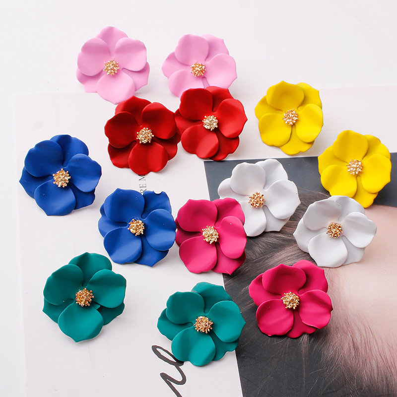 New Arrival Cute Plant Resin Women Hyperbole Stud Earrings Small Fresh Earrings With Color Flowers Fashion Women Jewelry