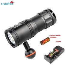 2019 TrustFire DF30 Diving Flashlight Cree XM-L2 2350LM red/violet Flash light Underwater 100 m for Video Camera Scuba Go Pro trustfire tr df006 650lm stepless adjusted diving flashlight w cree xm l2 t6 black 1 x 18650