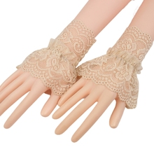 Women Hollow Out Crochet Floral Lace Wrist Cuffs Ruffles Detachable Fake Sleeves Stretch Bracelet Fingerless Gloves