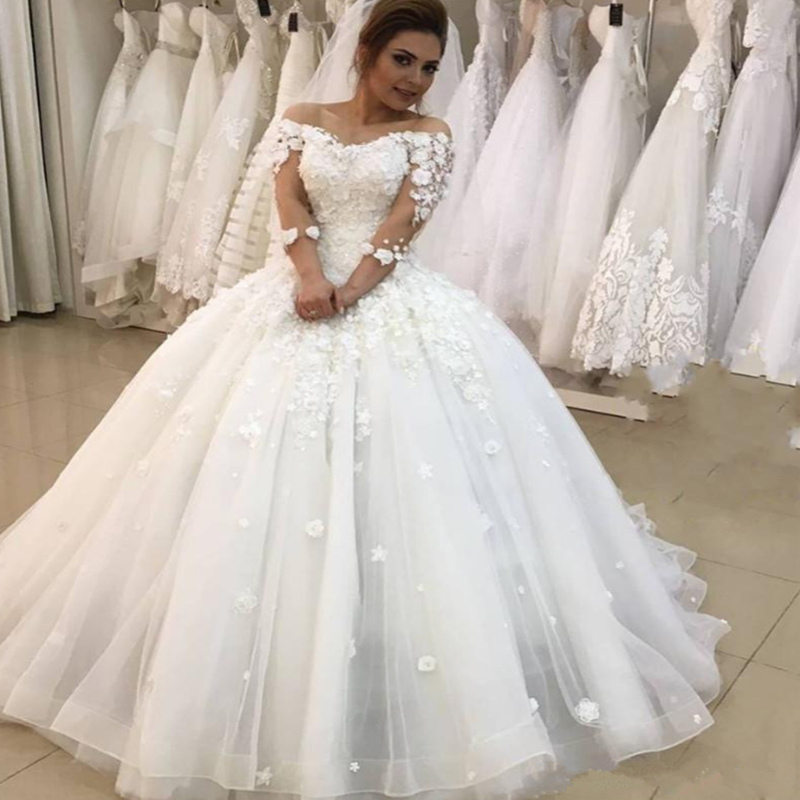 2020 New Arrival Wedding Dresses Lace Appliques Off The Shoulder Ball Gown Long Sleeves Bridal Gowns Formal Party Plus Size