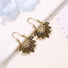 HOCOLE Vintage Gypsy Earrings For Women Ethnic Antique Gold Silver Tibetan Metal Hollow Flower Dangle Earring Indian Jewelry vintage jewelry bohemian tibetan silver chain necklaces gypsy ethnic carved metal flower pendants necklaces for women