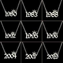 De acero inoxidable número de año collares para mujeres diseño único cumpleaños Tiaras corona año 1984, 1994, 1996, 2002 regalo de Gargantilla niños