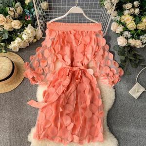 Image 1 - Vestito Delle Donne di Modo Del Fiore Tridimensionale Bolla Del Manicotto Dei Tre Quarti Chiusura Vita Slash Collo Elegante di Colore Solido del Vestito Abiti
