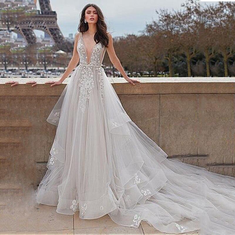 Elegant Tulle V-neck Neckline A-line Wedding Dresses With Belt Lace Flower Fluffy Bridal Dress Wedding Gown vestidos de noiva