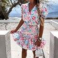 Мини-платье женское летнее ТРАПЕЦИЕВИДНОЕ с V-образным вырезом и цветочным принтом